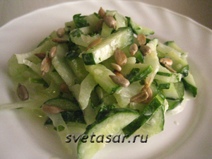 salat-iz-ogurca-i-seldereya