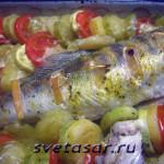Судак, запеченный с овощами