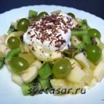 Фруктовый салат с пломбиром